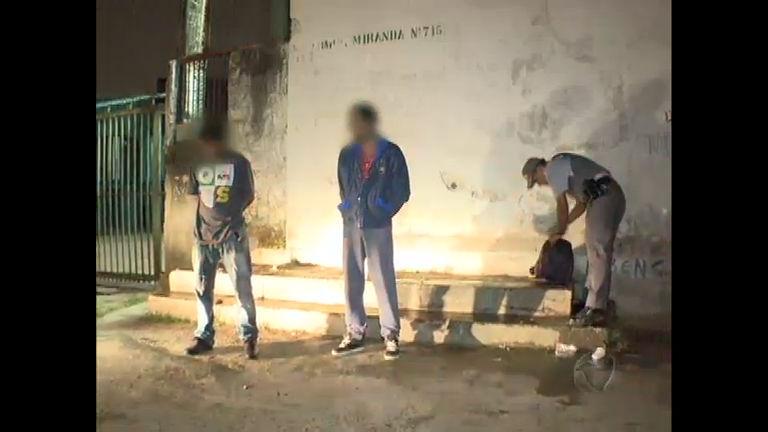 Polícia atende chamado que denunciava consumo de drogas em ...