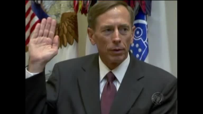 EUA: diretor da CIA renuncia após admitir relação extraconjugal ...