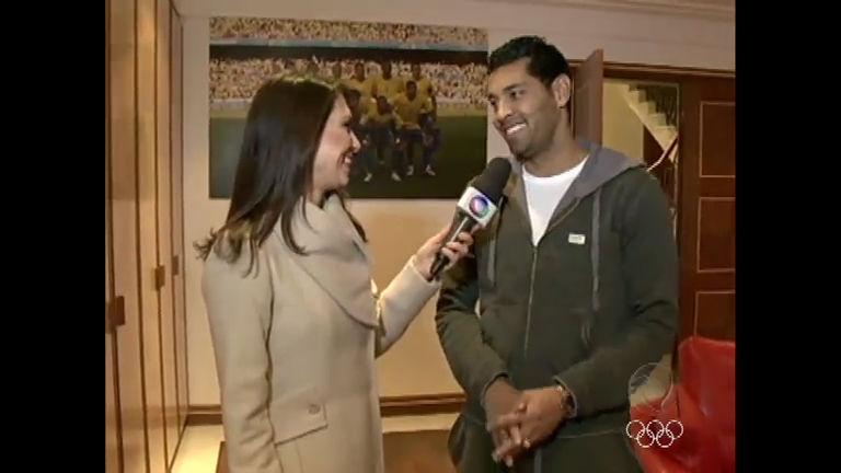 André Santos explica polêmica de troca de camisa com jogador ...