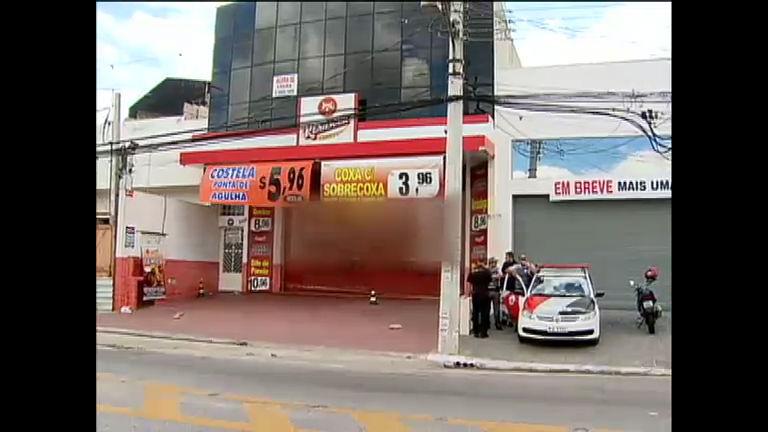 Violência em SP: cinco pessoas são executadas em chacina - Rede ...