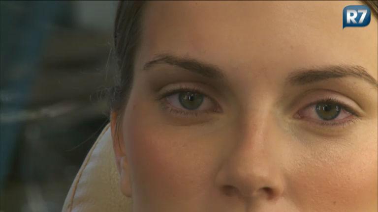Dicas de maquiagem: aprenda a fazer um olho marcado e ...