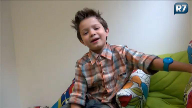 Gustavinho fala sobre a experiência de ser repórter do Ídolos Kids ...