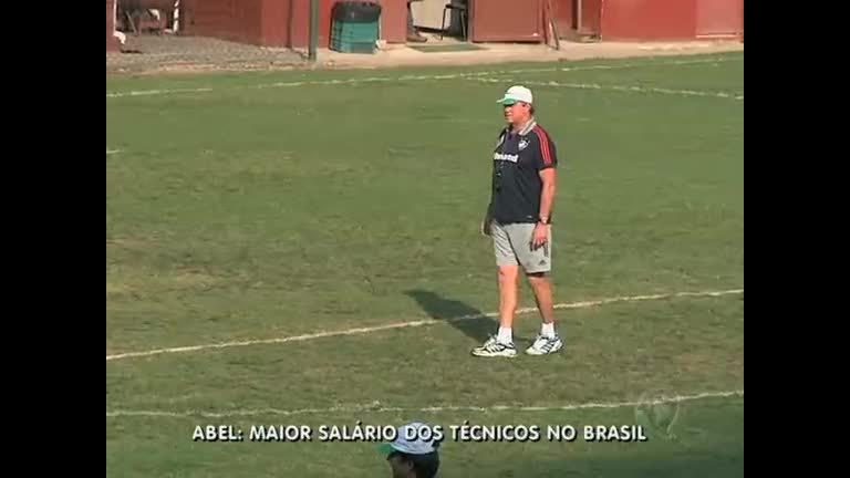 Abel Braga, do Fluminense, é maior salário entre técnicos brasileiros