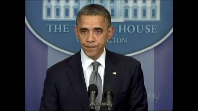 Obama chora em pronunciamento sobre massacre em escola de ...