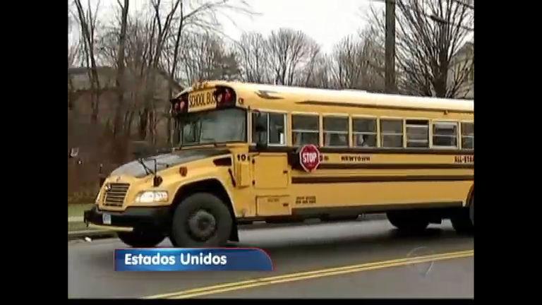 Alunos de Newtown voltam às aulas após massacre - Notícias - R7 ...
