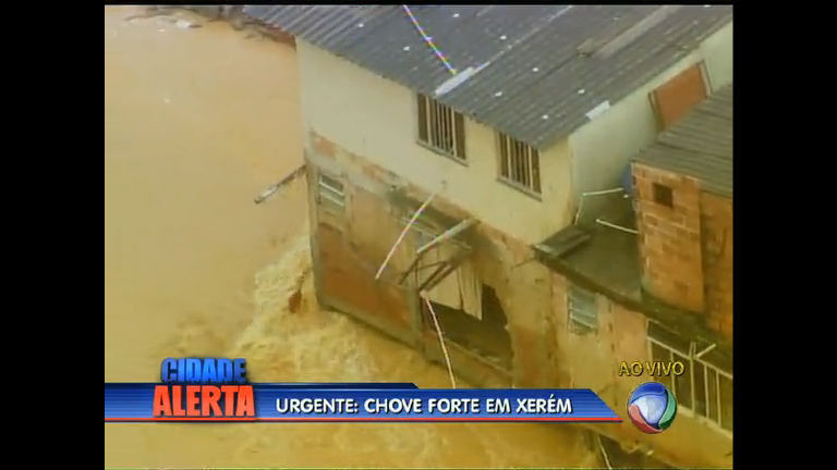 Imagens aéreas mostram estragos da chuva em Xerém (RJ) - Rio ...