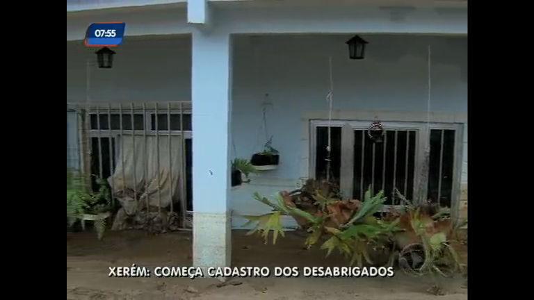 Xerém (RJ): começa cadastro de desabrigados da chuva - Rio de ...