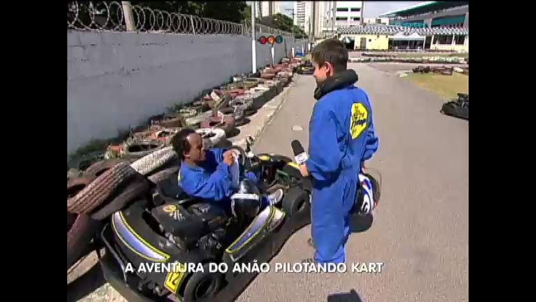 Desafio radical: anão encara corrida de kart e apronta todas ...