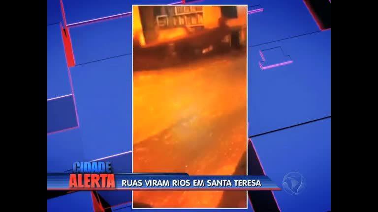 Rua se transforma em rio durante temporal em Santa Teresa ( RJ ...