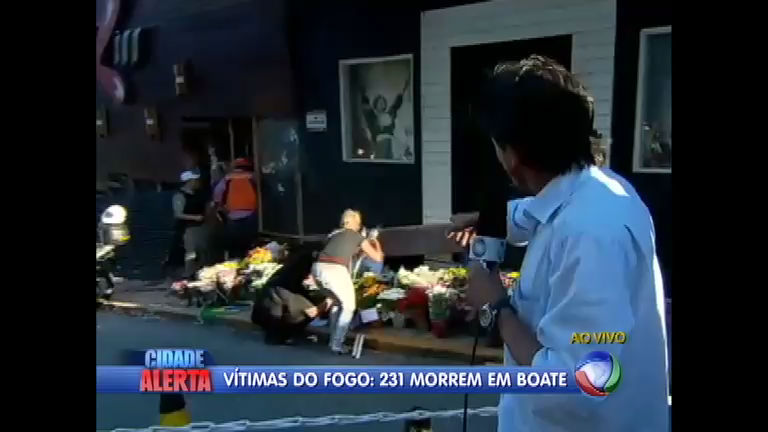 População homenageia vítimas de incêndio em Santa Maria (RS ...