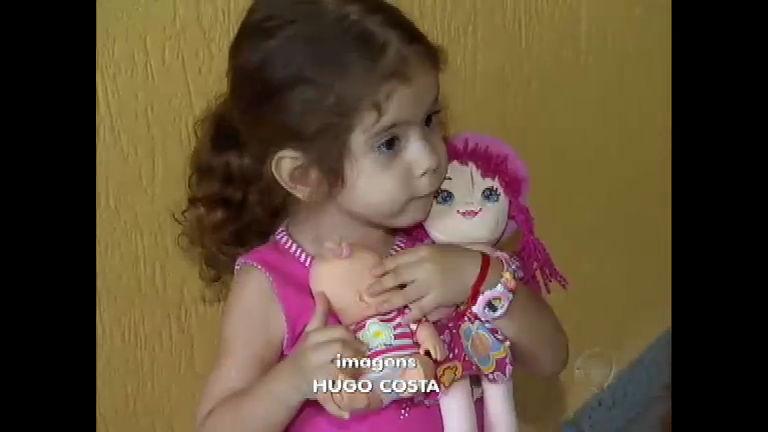 Após luta pela vida, gêmeas siamesas do Ceará comemoram três ...
