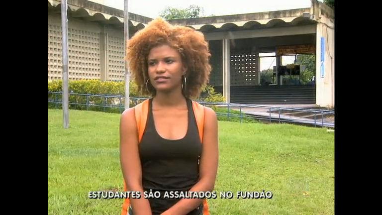 Criminosos assaltam estudantes em ponto de ônibus na ilha do ...