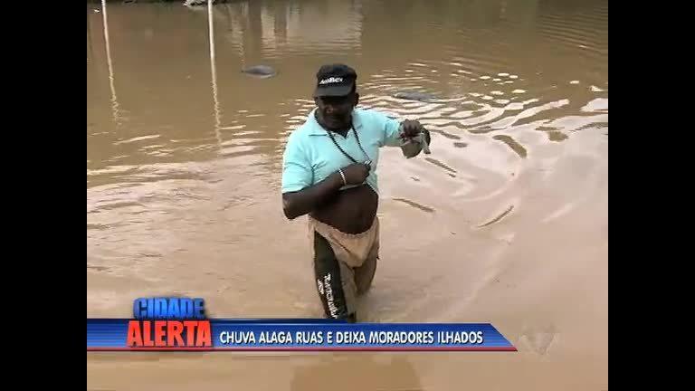 Chuva alaga rua e causa problemas na Baixada Fluminense - Rio ...