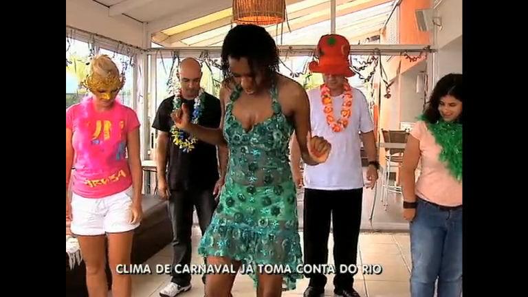 Turistas fazem aulas de samba para entrar no ritmo do Carnaval ...