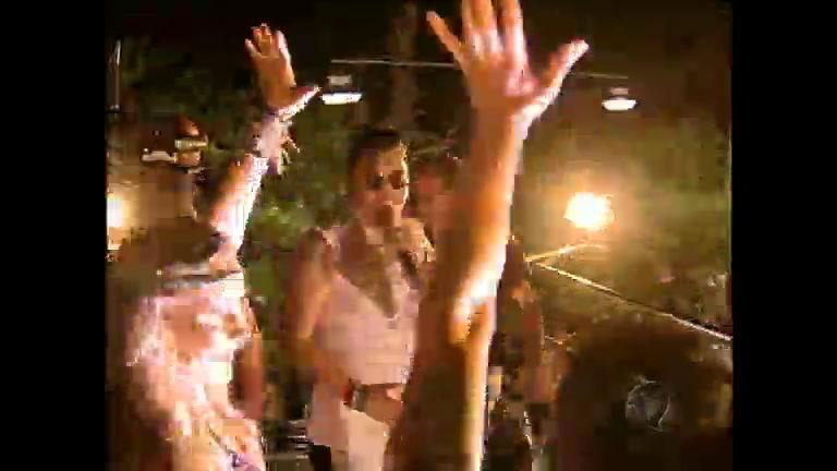 Sul-coreano Psy leva público à loucura no Carnaval de Salvador ...