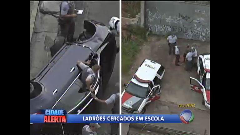 Polícia persegue ladrões de carro em São PauloCidade Alerta | R7 ...