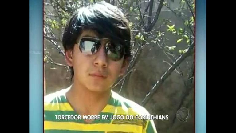 Jovem torcedor do San José morre atingido por um sinalizador ...