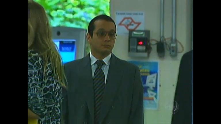 Gil Rugai: réu é condenado a quase 34 anos de prisão e deixa ...