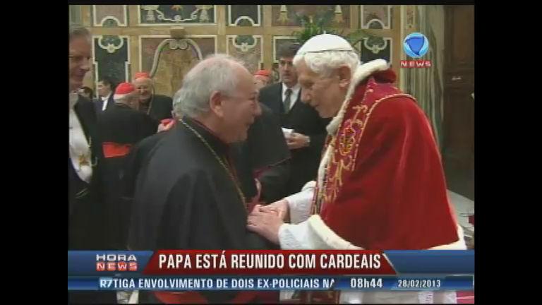 Papa Bento XVI se despede de cardeais - Record News - R7 Hora ...