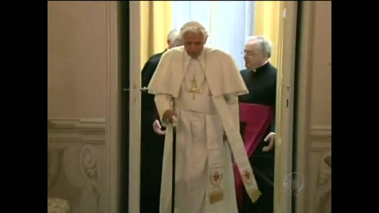 Cardeais que vão escolher novo Papa são convocados para ...
