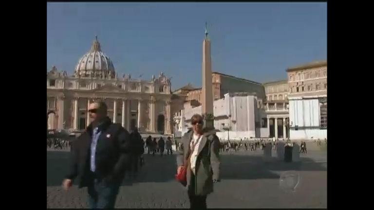 Cardeais do mundo todo já começam a discutir data do conclave ...