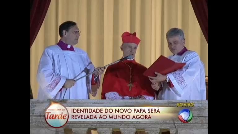 Argentino Mario Bergoglio é eleito o novo Papa - Rede Record