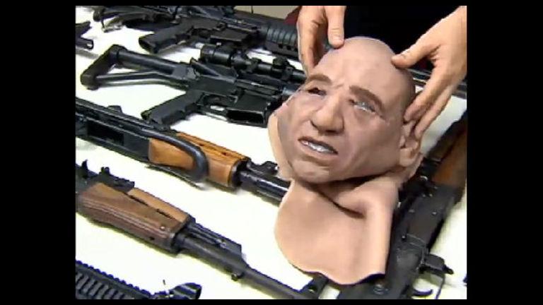 Polícia apreende arsenal de armas importadas escondido em ...