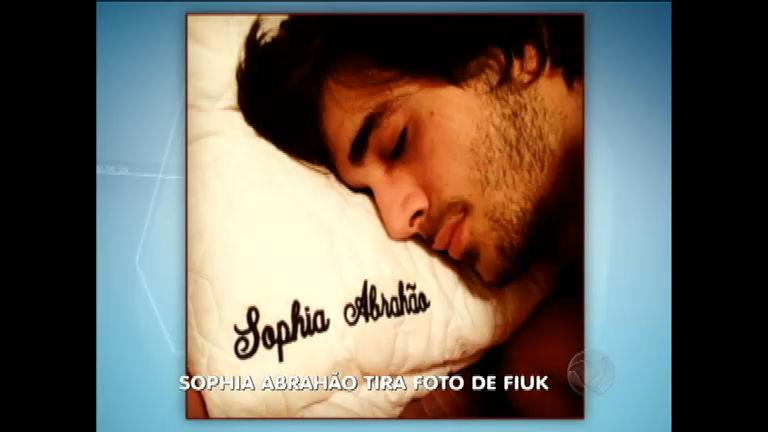 Romance: Sophia Abrahão publica foto de Fiuk dormindo - Notícias ...
