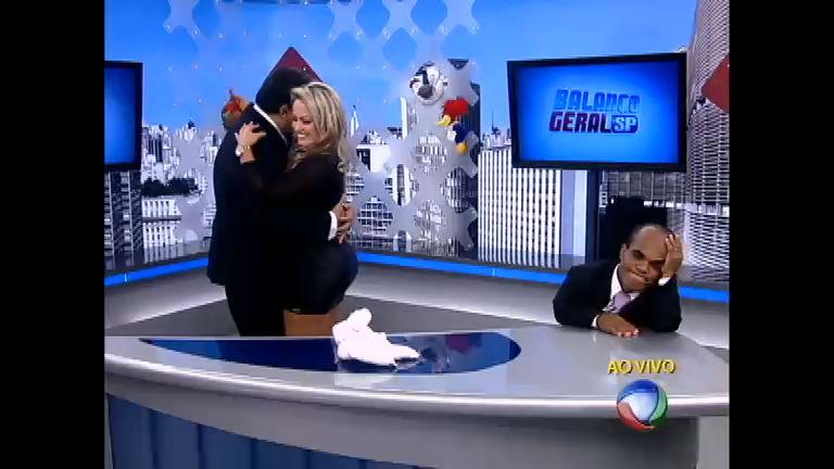 """Ísis """"conquista"""" Geraldo com dança romântica - Record Play - R7 ..."""
