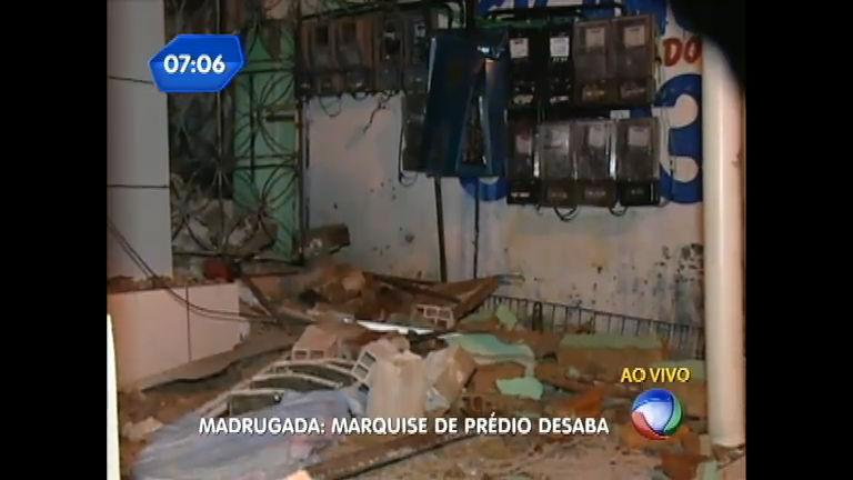 Marquise de prédio de três andares desaba em Salvador (BA ...
