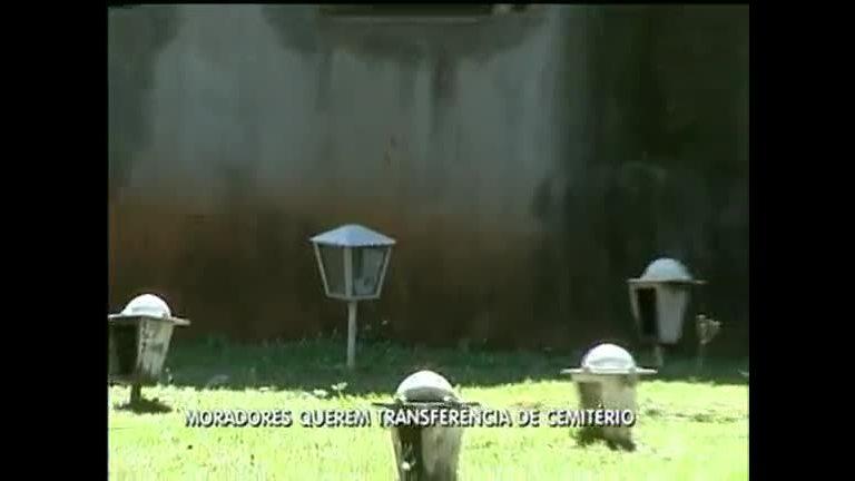 Cemitério faz túmulos debaixo de janelas de prédio residencial ...