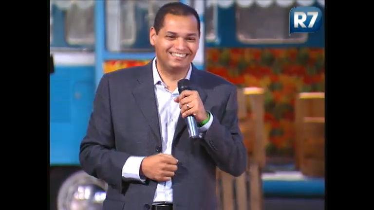 Anderson Souza, diretor de teledramaturgia da Record, aposta no ...