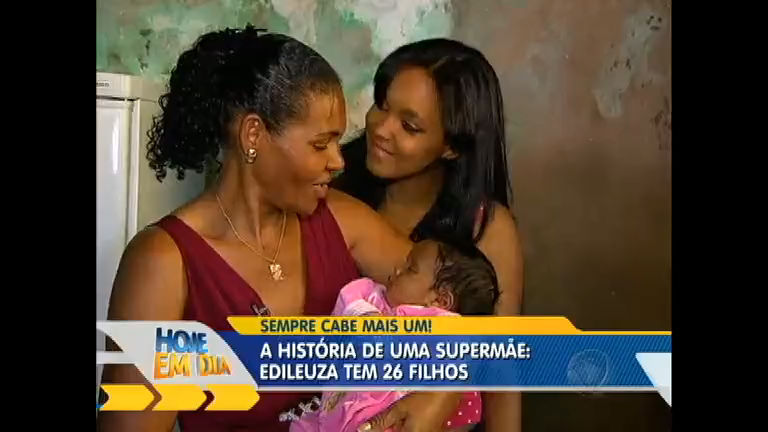 Mãe de 26 filhos conta história de vida e recebe homenagem no ...