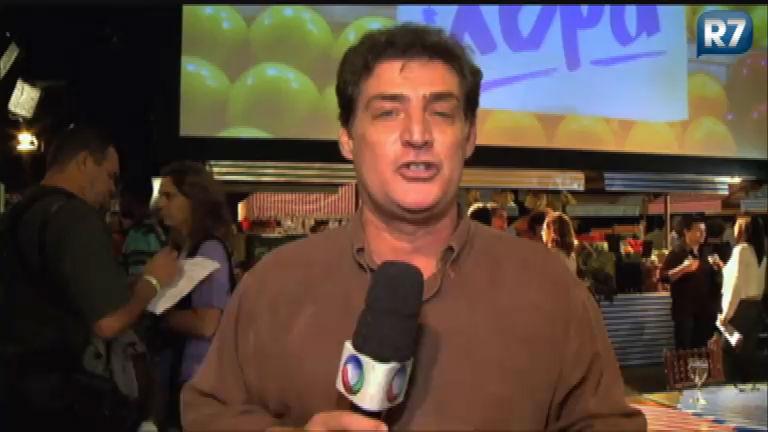 Giuseppe Oristanio faz papel de deputado malandrão em Dona Xepa