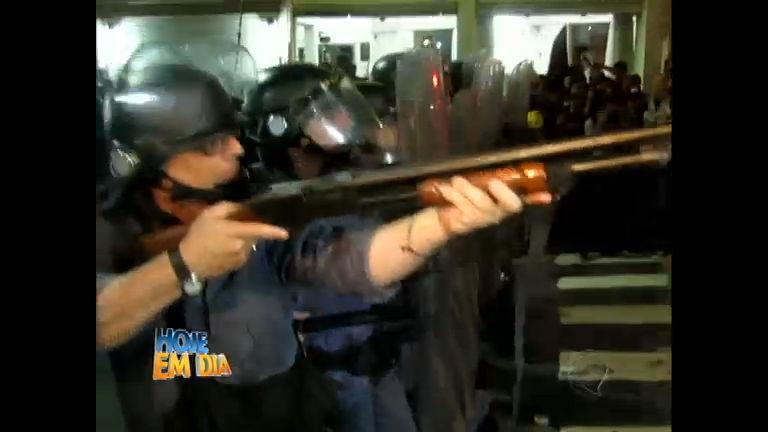 SP: protestos violentos assustam paulistanos - Entretenimento - R7 ...