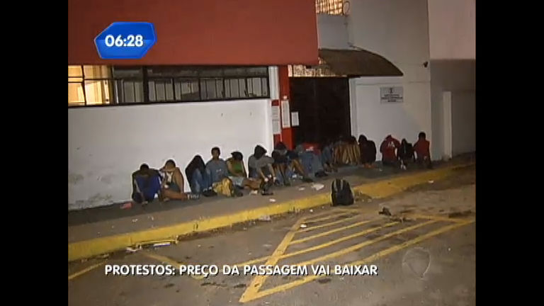 Protestos em SP: 25 são presos por saques e depredação - Notícias ...