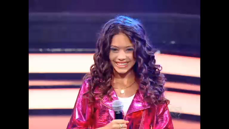Graciely arrasa no palco do Ídolos Kids com a música Por Mais que ...