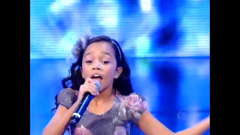 Nicole Luz ilumina o palco do Ídolos Kids com música Sá Marina de ...