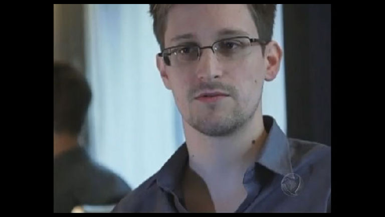 Edward Snowden pediu asilo político ao Brasil - Notícias - R7 Jornal ...