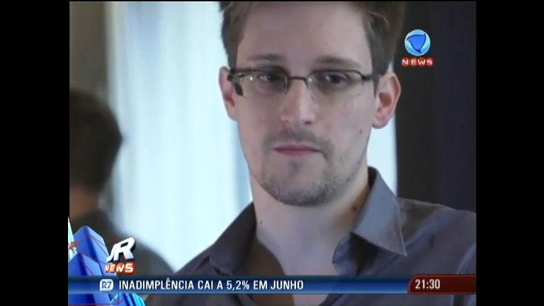 EUA tenta convencer Rússia a entregar o espião Edward Snowden ...