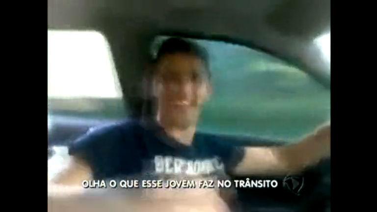 """Motorista é flagrado cometendo """" barbaridades"""" no trânsito - Distrito ..."""