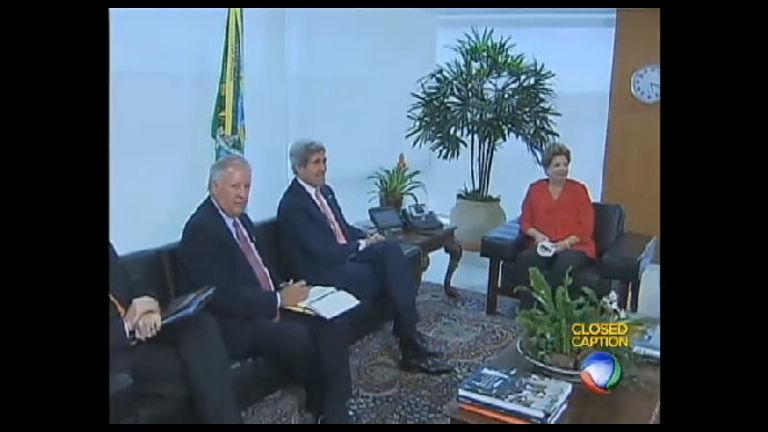 Em Brasília, John Kerry defende programa de espionagem dos EUA ...