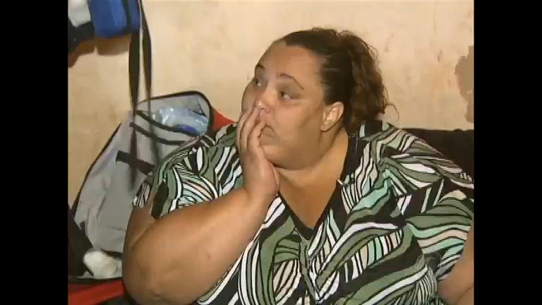 Com mais de 200 kg, mulher luta para emagrecer e ser saudável ...