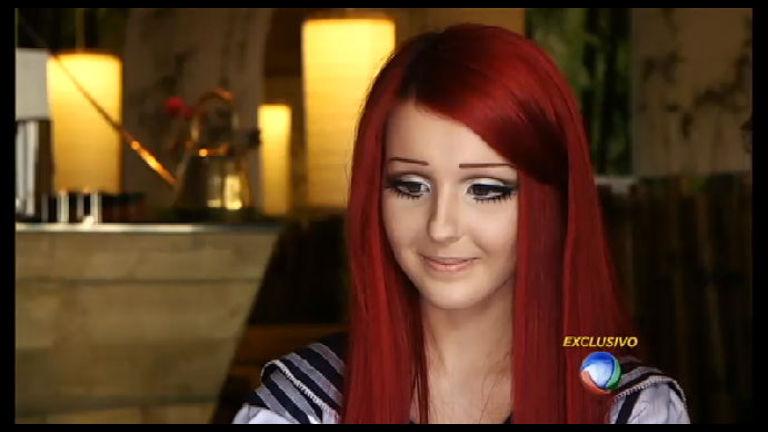 Domingo Espetacular entrevista ucraniana com aparência de ...