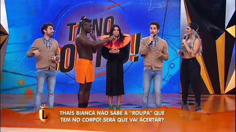 Ex- panicat Thaís Bianca exibe corpão pintado no quadro Tá No Corpo