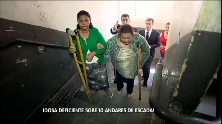 Elevadores quebrados obrigam idosa deficiente a subir dez ...