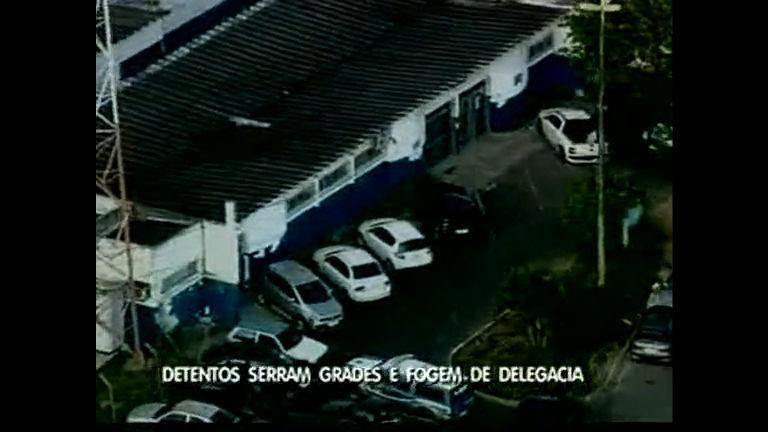 Detentos fogem de cadeia - Bahia - R7 Direto da Redação BA