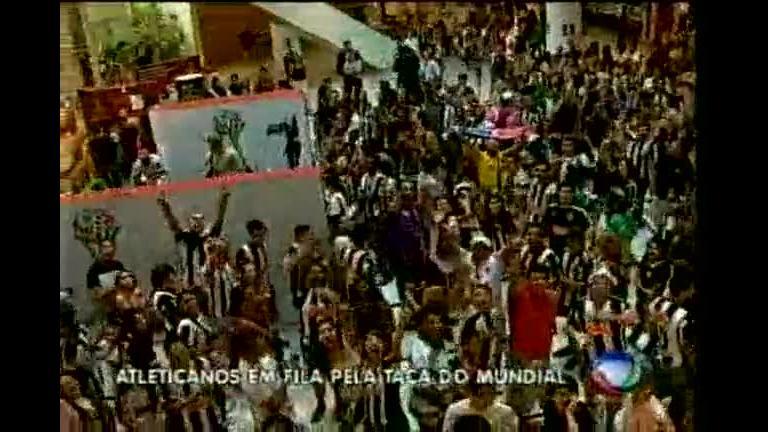 Taça mundial de clubes de futebol está em shopping de BH - Minas ...