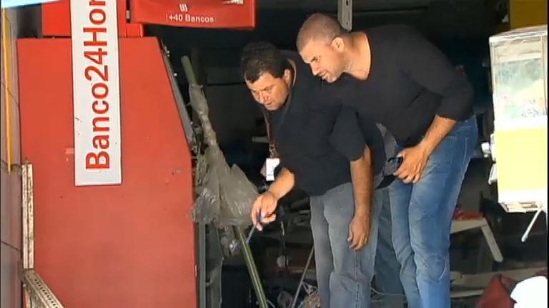 Bandido morre ao explodir caixa eletrônico em São PauloRecord ...