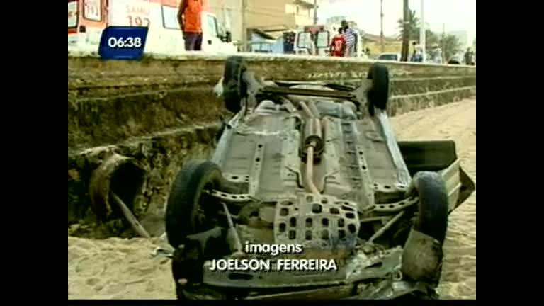 Saquear veículos depois de acidentes é crime - Bahia - R7 Bahia no ...
